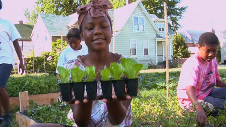 detroit-kid-garden1
